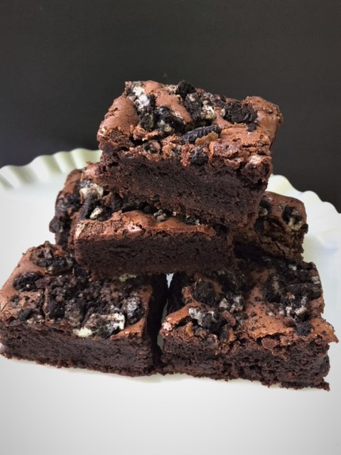 Espreso Oreo Brownies filled with espresso beans and crushed oreos