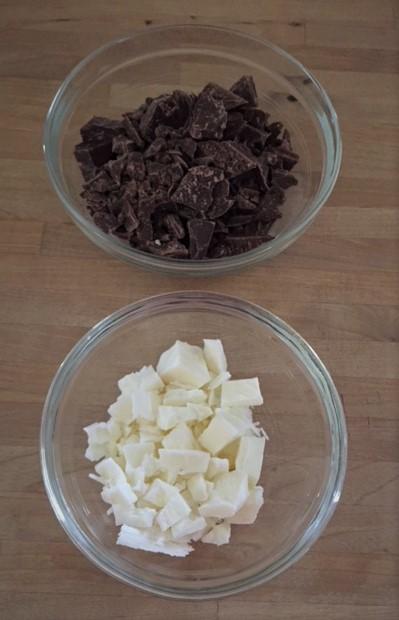 Vanilla and Chocolate Bark chopped up in bowls