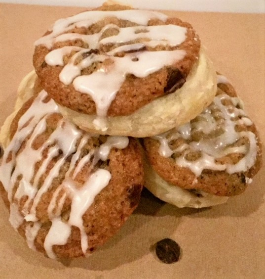 chocolate chip cookie buns in trio