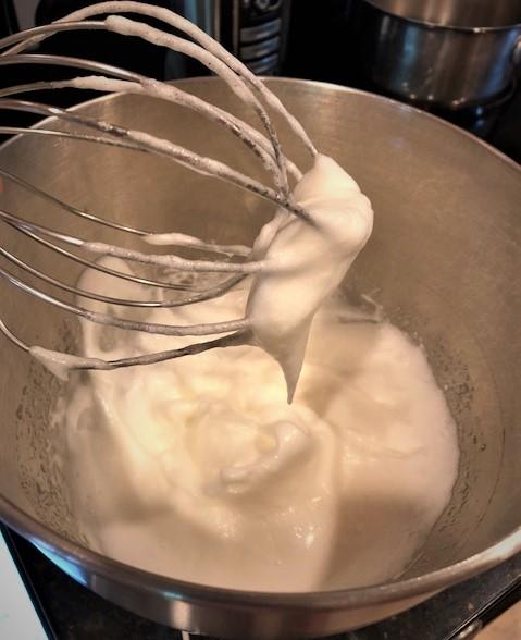 Medium egg white peaks