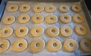 sugar cookie cutouts to look like doughnuts