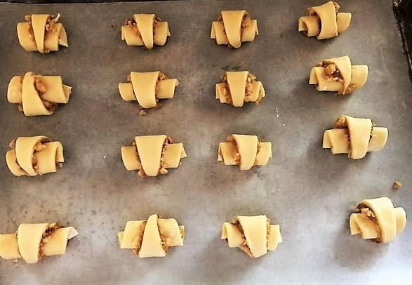 rugelach cookies ready to bake