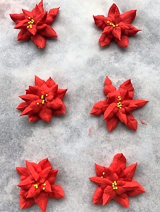 piped buttercream poinsettias