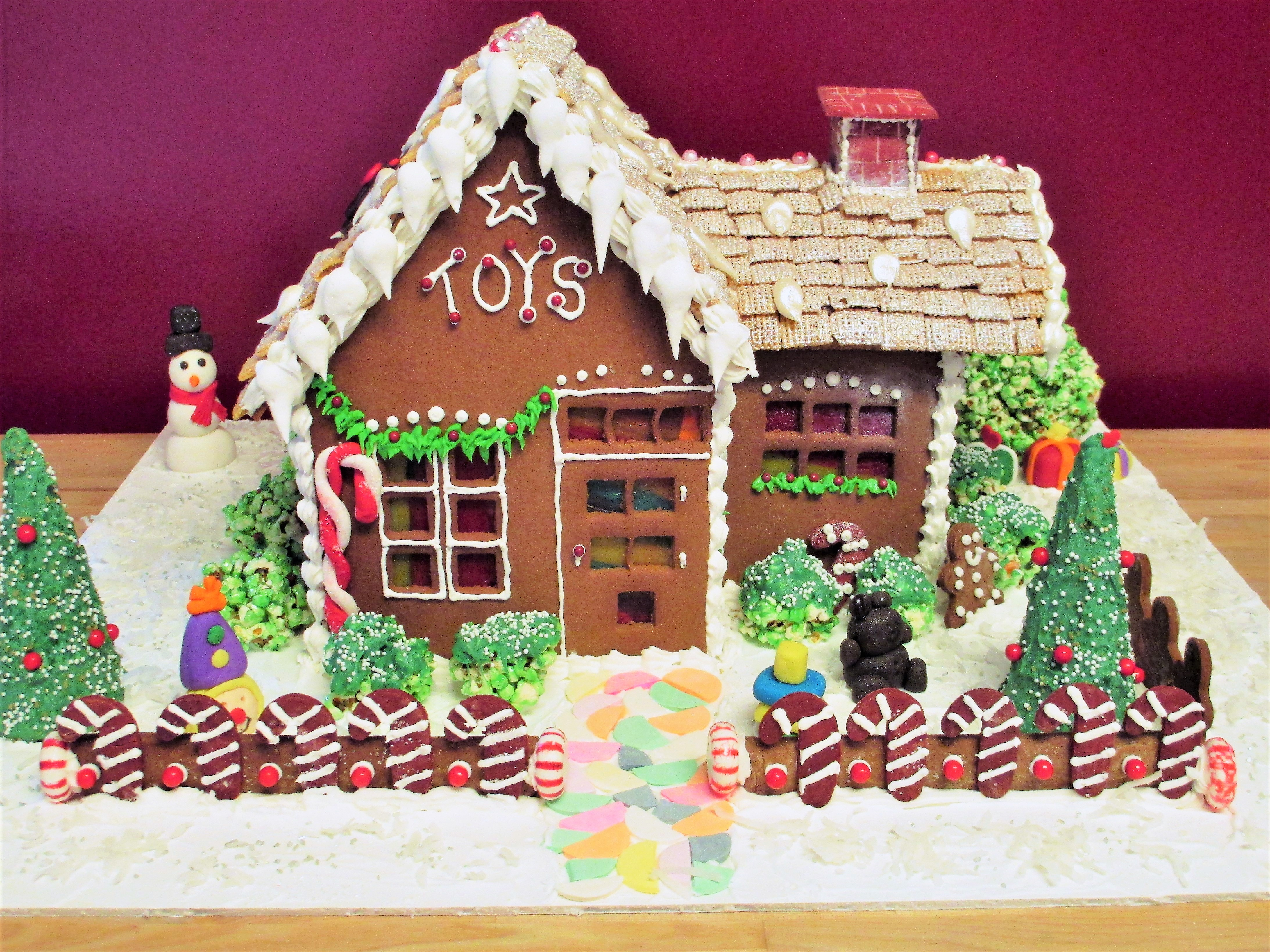 Gingerbread Toy House
