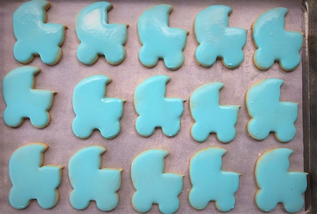 baby boy carriage cookies