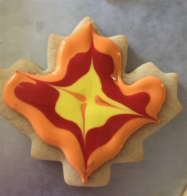 decorating fall cookies