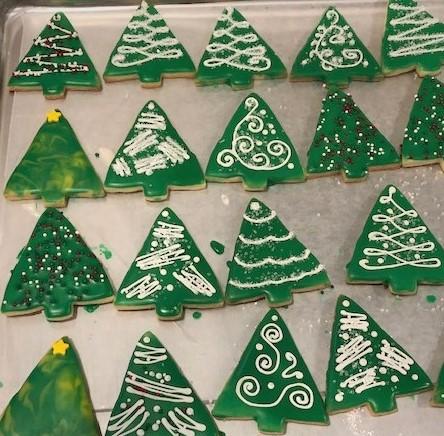 green christmas tree cookies