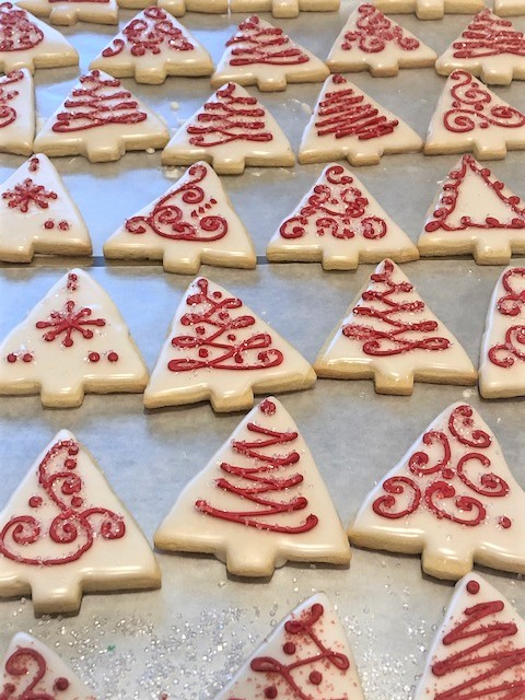 christmas tree white and red cookies