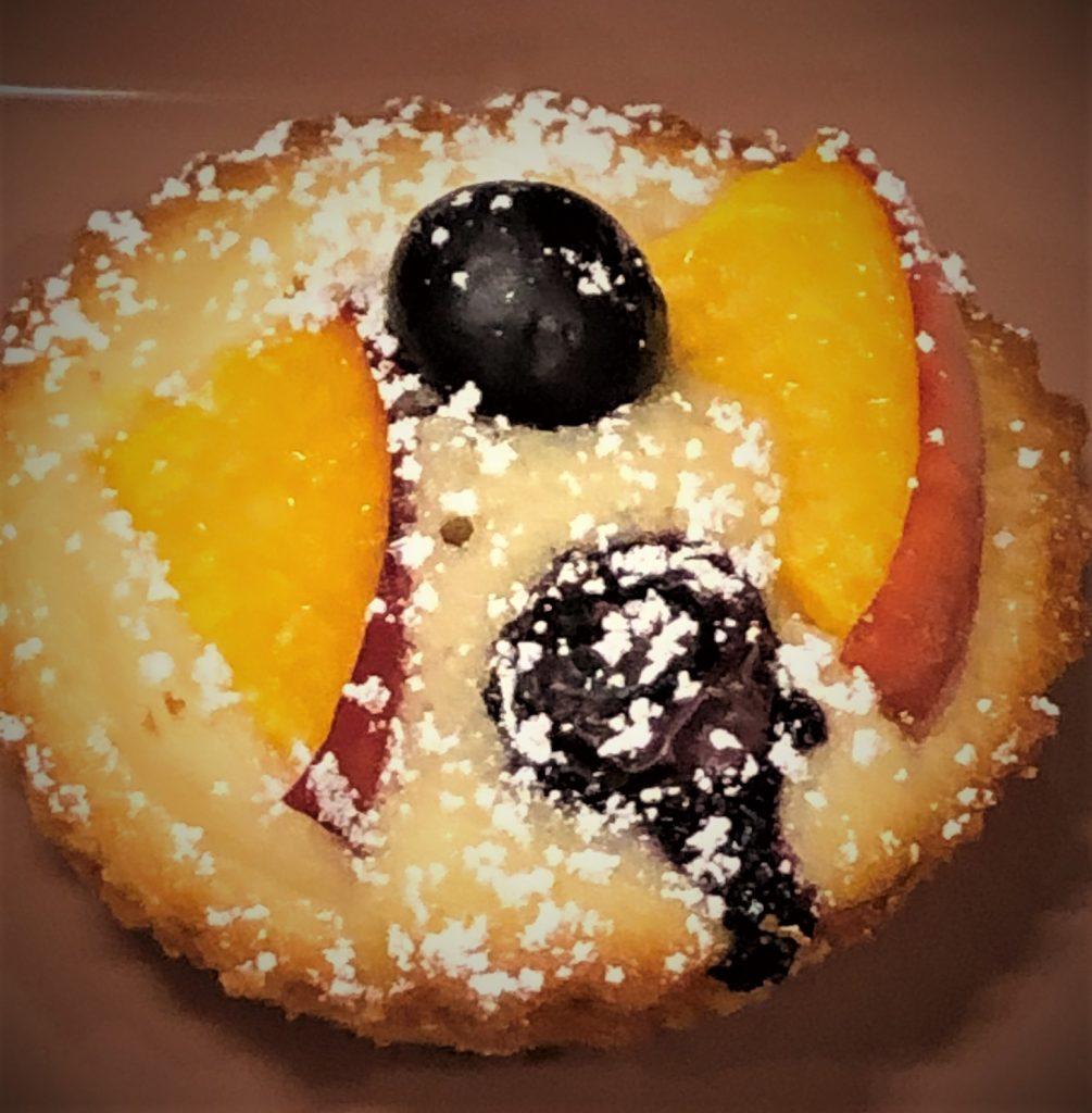 peach blueberry tea cake up close