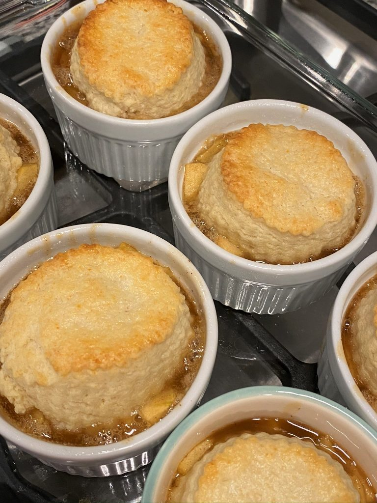 baked mini apple cobblers
