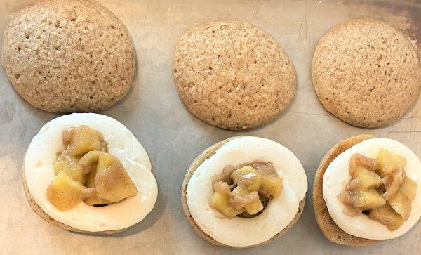 filling apple pie whoopie pies