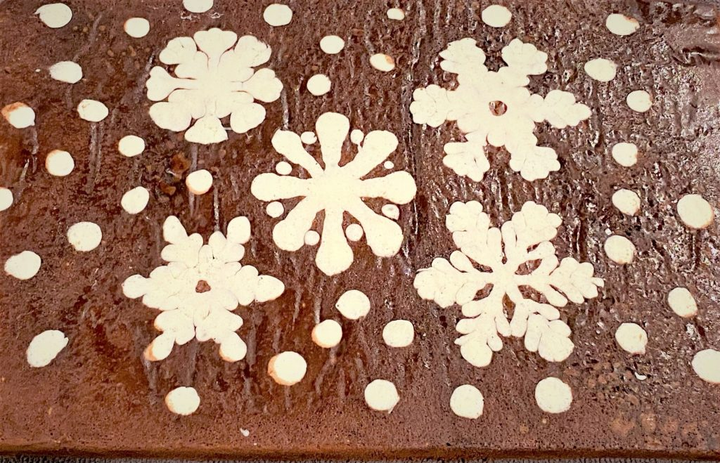 genoise cake baked with snowflake imprints
