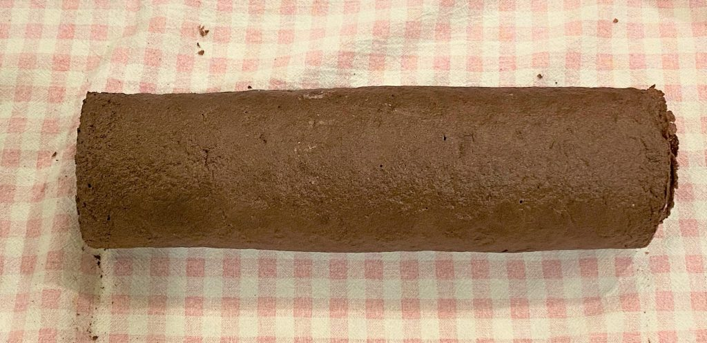 chocolate cake roll rolled up