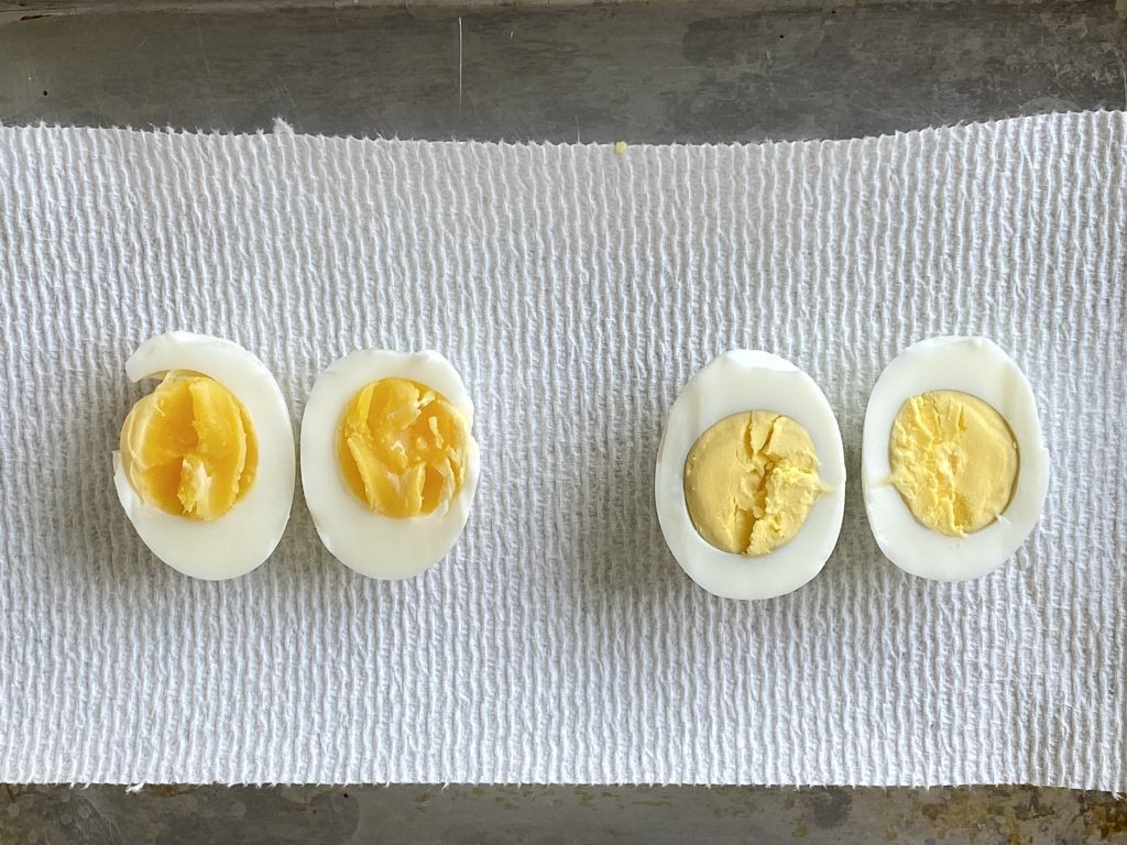 boiled eggs for 7 minutes verses 15