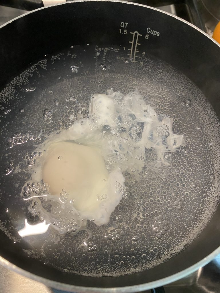 egg poaching in water without vinegar